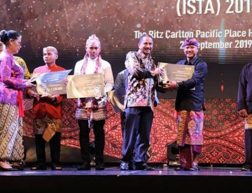 MUSEUM LONTAR DUKUH PENABAN MERAIH PENGHARGAAN KATEGORI POKDARWIS MANDIRI DALAM AJANG INDONESIA SUSTAINABLE TOURISM AWARD ( ISTA ) 2019
